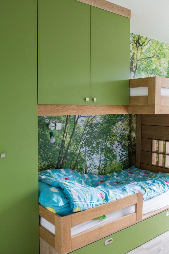 łóżko dziecięce z domkiem